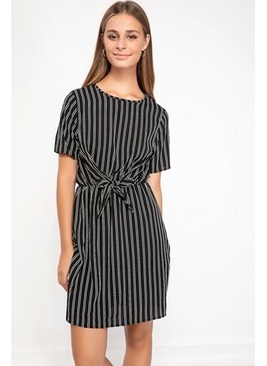 DeFacto Beli Bağlamalı Çizgili Elbise Siyah